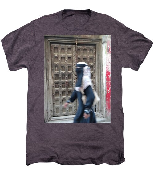 Old Lamu Town Muslim Woman Walking Men's Premium T-Shirt