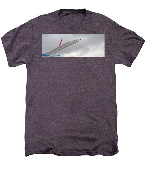 Raf Scampton 2017 - Red Arrows Tornado Formation Men's Premium T-Shirt