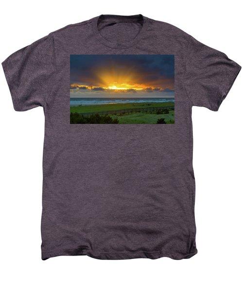 Sun Rays At Long Beach Washington During Sunset Men's Premium T-Shirt