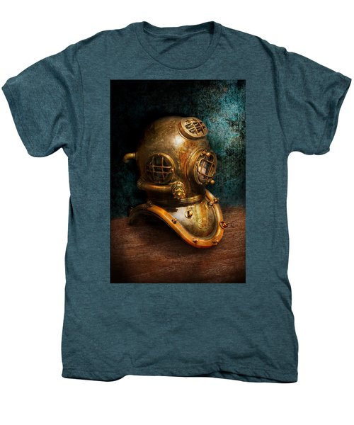 Steampunk - Diving - The Diving Helmet Men's Premium T-Shirt
