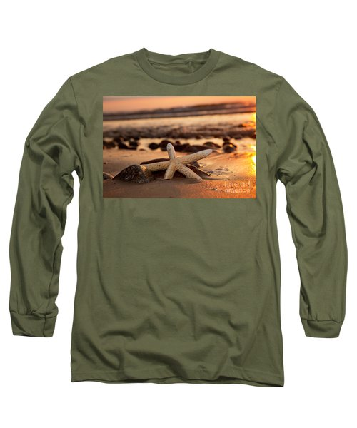 Starfish On The Beach At Sunset Long Sleeve T-Shirt