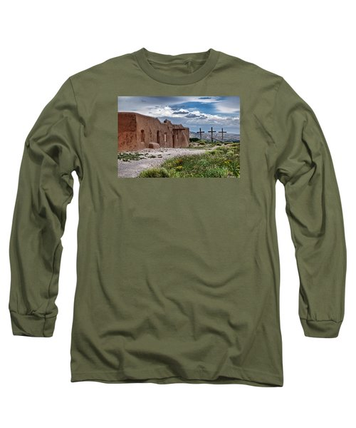 Abandoned Church In Abiquiu New Mexico Long Sleeve T-Shirt