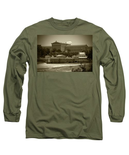 Art Museum And Fairmount Waterworks - Bw Long Sleeve T-Shirt
