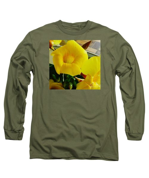Canario Flower Long Sleeve T-Shirt