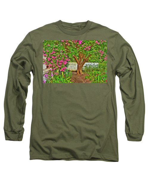 Long Sleeve T-Shirt featuring the photograph Crepe Myrtle In Wiliamsburg Garden by Jerry Gammon