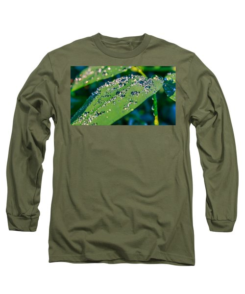 Long Sleeve T-Shirt featuring the photograph Droplets by Rob Sellers