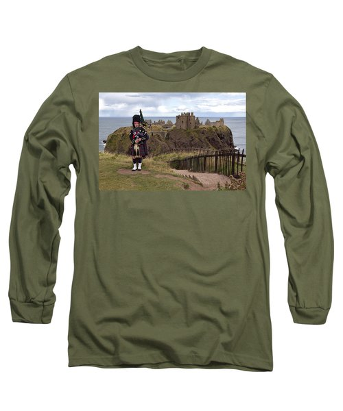 Dunnottar Piper Long Sleeve T-Shirt