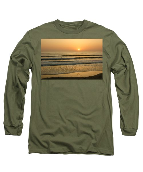 Golden California Sunset - Ocean Waves Sun And Surfers Long Sleeve T-Shirt