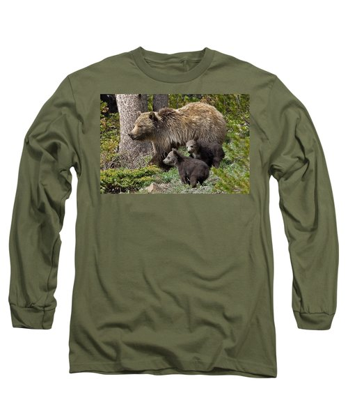 Grizzly Bear With Cubs Long Sleeve T-Shirt by Jack Bell
