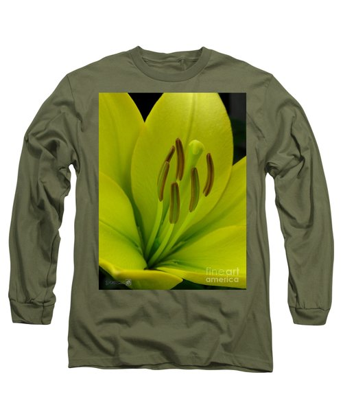 Hybrid Lily Named Trebbiano Long Sleeve T-Shirt by J McCombie