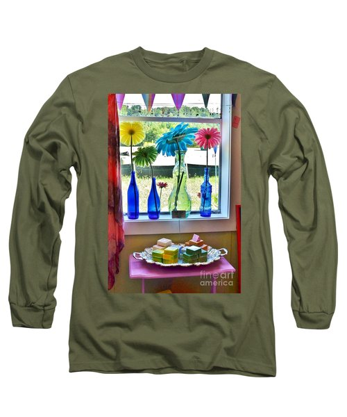 Liddy Loves Clothes 8 - Clarksville Delaware Long Sleeve T-Shirt