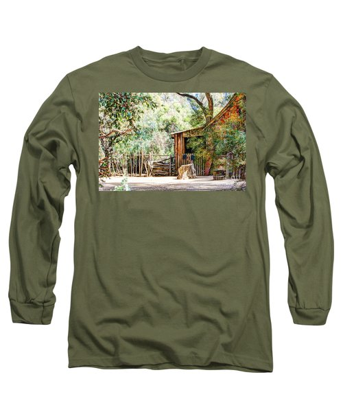 Old Farm Building Long Sleeve T-Shirt