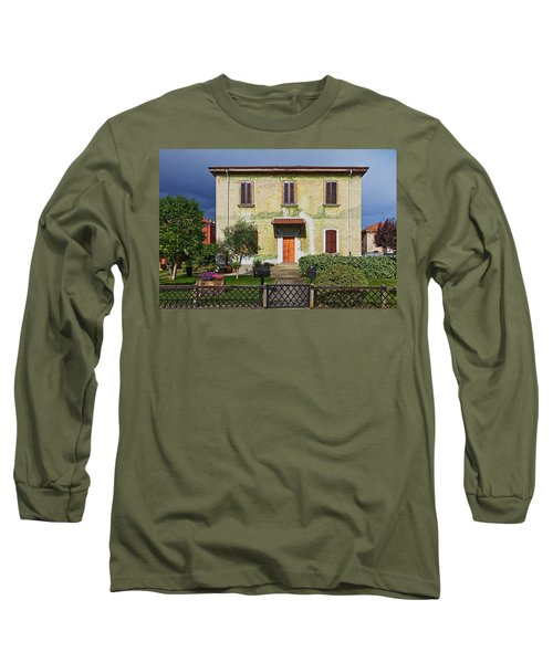 Old House In Crespi D'adda Long Sleeve T-Shirt