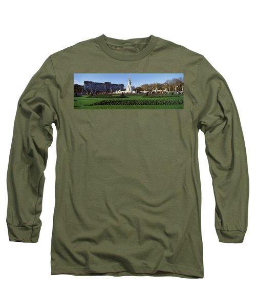 Queen Victoria Memorial At Buckingham Long Sleeve T-Shirt