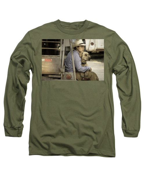 Long Sleeve T-Shirt featuring the photograph Tailgate Friends by Steven Bateson