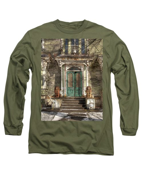 Victorian Entry Long Sleeve T-Shirt