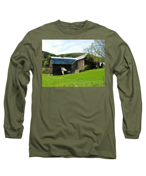 Long Sleeve T-Shirt featuring the photograph Old Vermont Barn by Sherman Perry