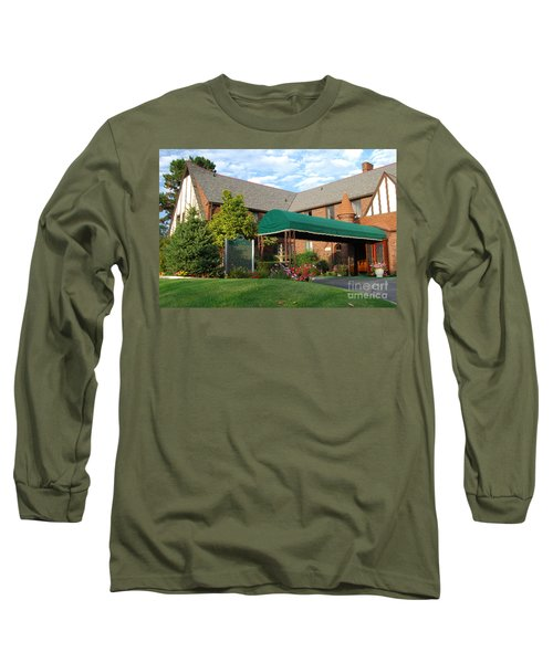 St Clair Inn Entrance Long Sleeve T-Shirt