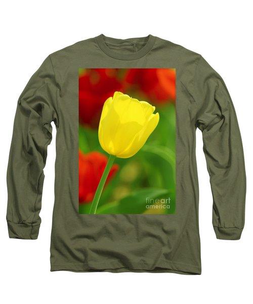 Tulipan Amarillo Long Sleeve T-Shirt
