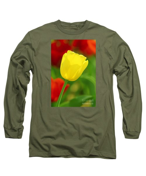 Tulipan Amarillo Long Sleeve T-Shirt