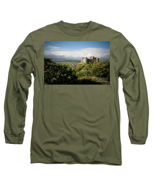 Harlech Castle, Snowdonia, Gwynedd, North Wales, Uk Long Sleeve T-Shirt