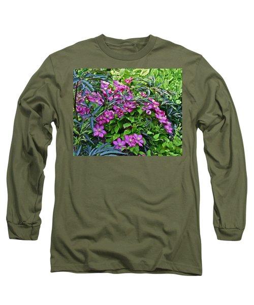 2015 Summer At The Garden Beautiful Clematis Long Sleeve T-Shirt