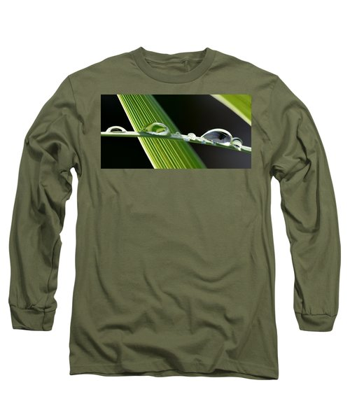 Big Rain Drops On Leaf Long Sleeve T-Shirt