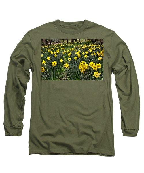 A Host Of Golden Daffodils Long Sleeve T-Shirt