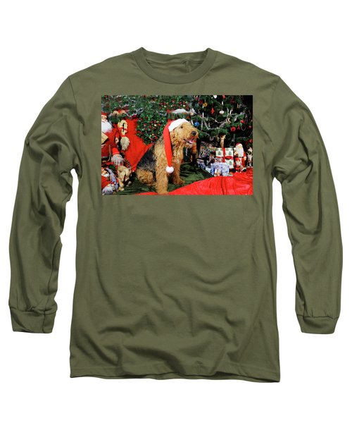 Airedale Terrier Dressed As Santa-claus Long Sleeve T-Shirt