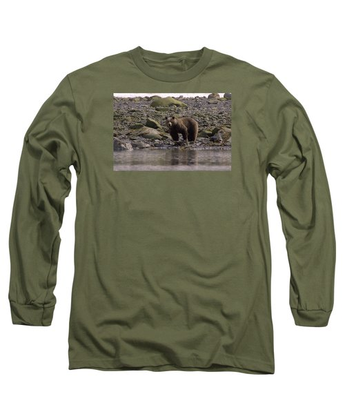 Alaskan Brown Bear Dining On Mollusks Long Sleeve T-Shirt