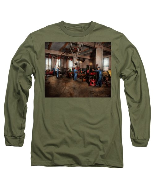 Long Sleeve T-Shirt featuring the photograph Autobody - The Bodyshop 1916 by Mike Savad