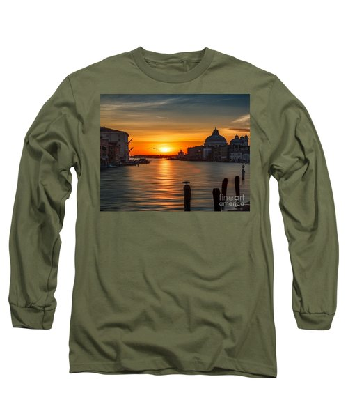 Basilica Di Santa Maria Dela Salute, Venice Long Sleeve T-Shirt by Rod Jellison