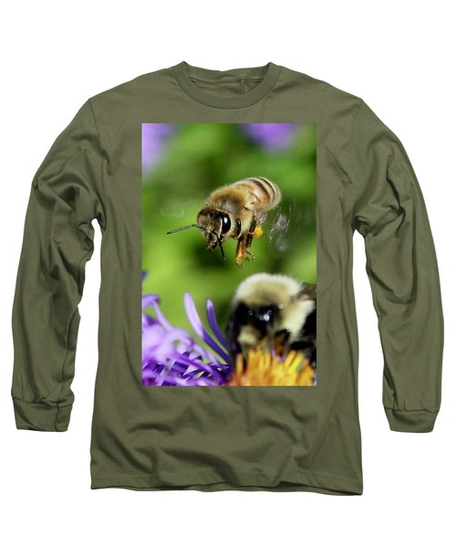Bee In Flight  Long Sleeve T-Shirt