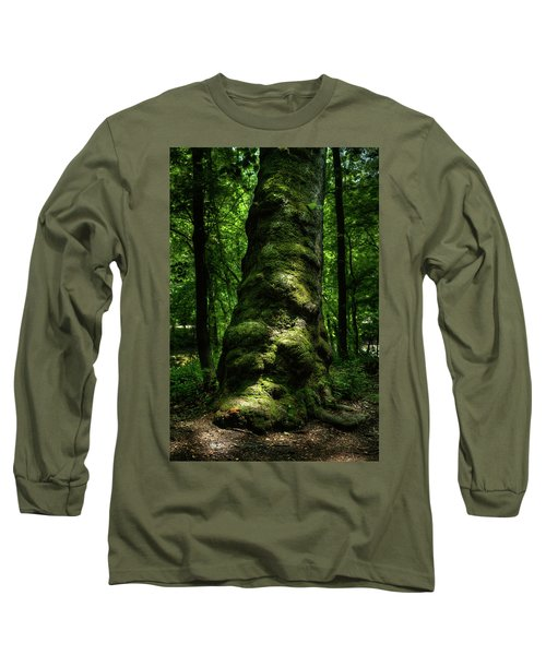 Big Moody Tree In Forest Long Sleeve T-Shirt