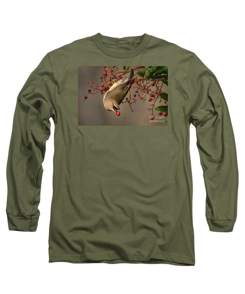 Cedar Waxwing With Toyon Berry Long Sleeve T-Shirt