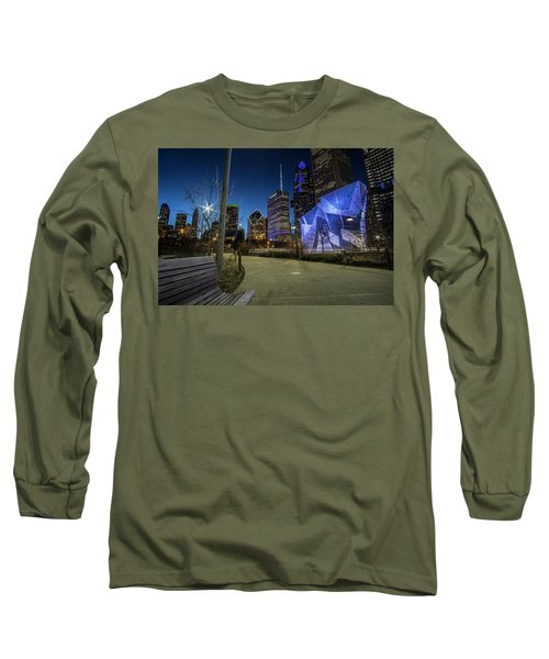 Chicago Skyline Form Maggie Daley Park At  Dusk Long Sleeve T-Shirt