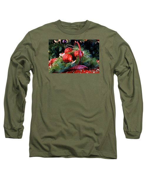 Christmas Centerpiece Long Sleeve T-Shirt by Vinnie Oakes