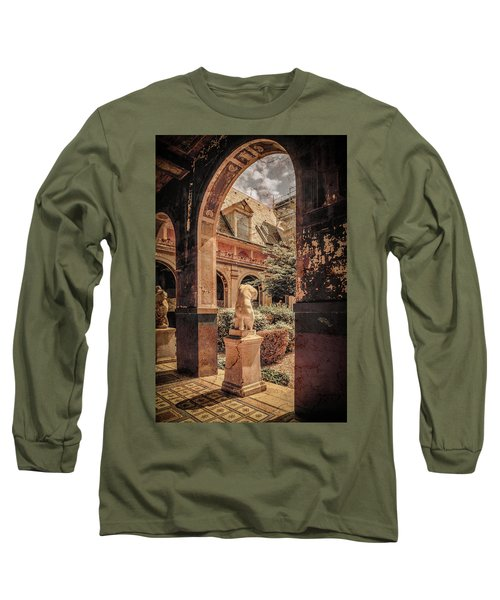 Paris, France - Courtyard East - L'ecole Des Beaux-arts Long Sleeve T-Shirt