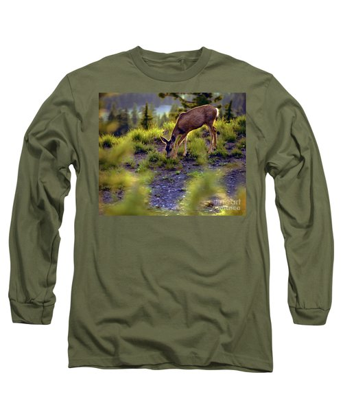 Deer At Crater Lake, Oregon Long Sleeve T-Shirt