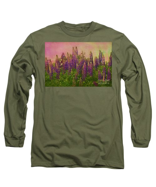 Dreamy Lupin Long Sleeve T-Shirt