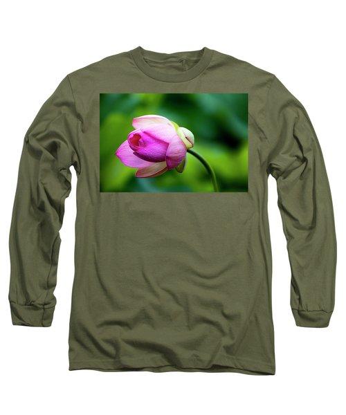 Droplets On Lotus Long Sleeve T-Shirt by Edward Kreis