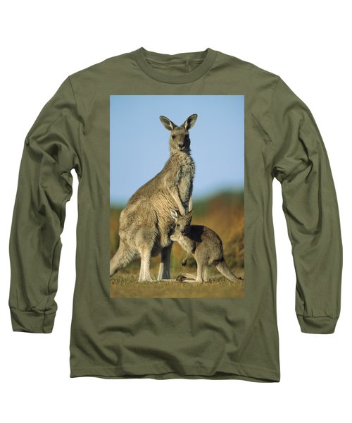 Eastern Grey Kangaroo And Her Joey Long Sleeve T-Shirt