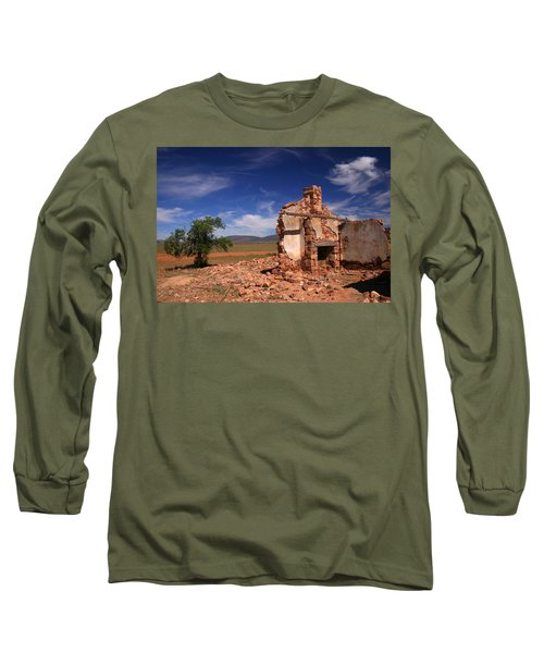 Farmhouse Cottage Ruin Flinders Ranges South Australia Long Sleeve T-Shirt