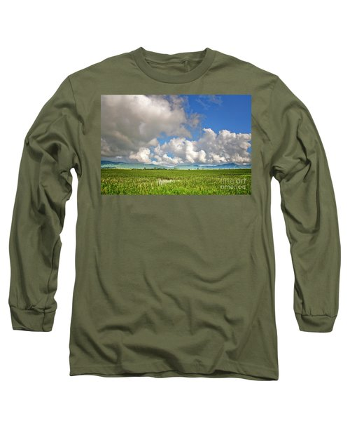 Long Sleeve T-Shirt featuring the photograph Field by Charuhas Images