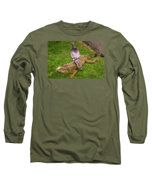 Iguana With Pigeon On Its Back Long Sleeve T-Shirt