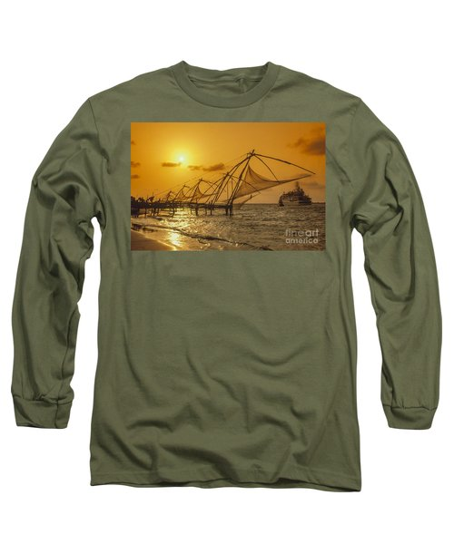 Long Sleeve T-Shirt featuring the photograph India Cochin by Juergen Held