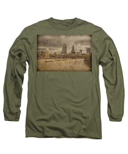 London, England - London Skyline East Long Sleeve T-Shirt