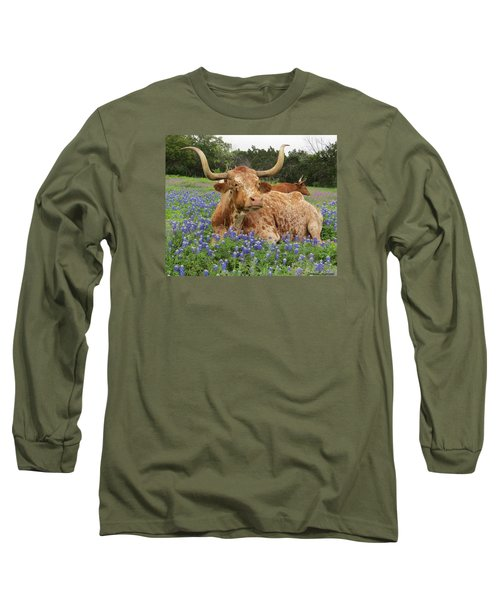 Da210 Longhorn In A Sea Of Bluebonnets By Daniel Adams Long Sleeve T-Shirt