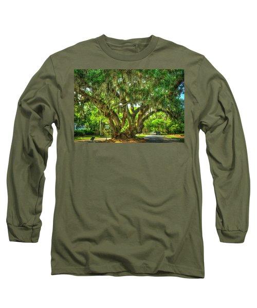 Lovers Oak Live Oak Tree Brunswick Georgia Art Long Sleeve T-Shirt