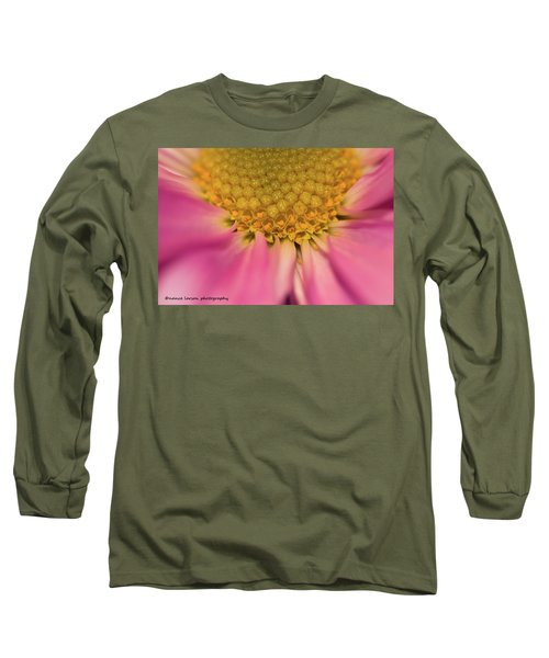 Macro Daisy Long Sleeve T-Shirt